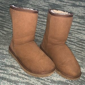 Used Tan Ugg boots